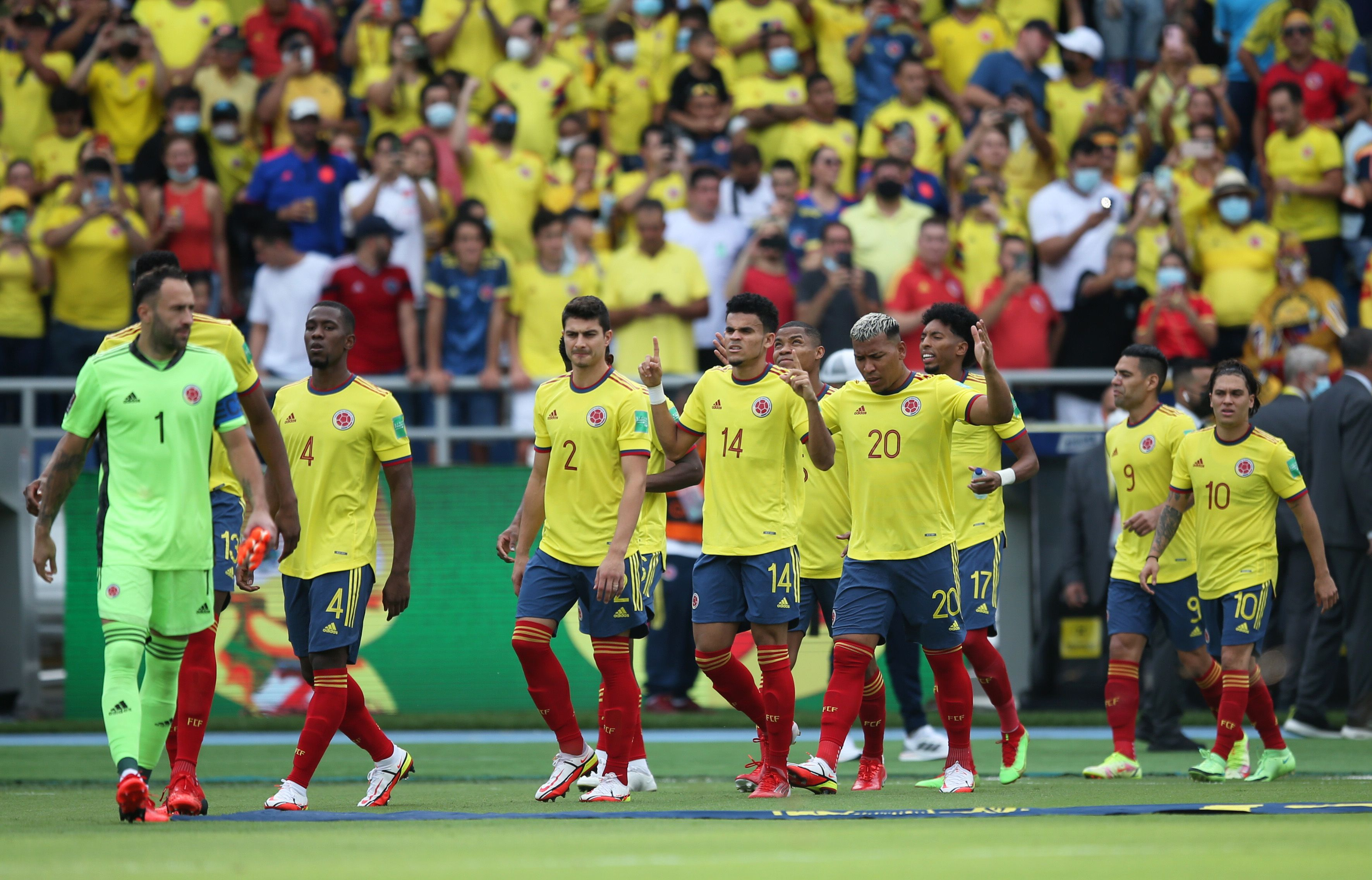 Soccer Football - World Cup - South American Qualifiers - Colombia v Brazil - Estadio Metropolitano Roberto Melendez, Barranquilla, Colombia - October 10, 2021 Colombia players walk onto the pitch before the match REUTERS/Luisa Gonzalez